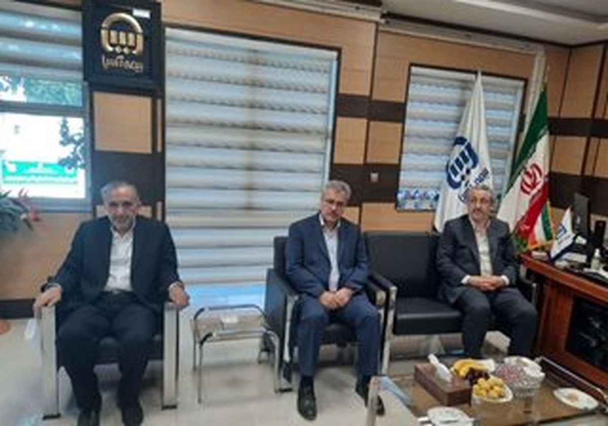 اداره کل امور مالیاتی استان اردبیل از بیمه آسیا تقدیر کرد