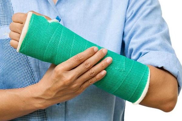 چه مواردی را میتوان به قرارداد بیمه حوادث اشخاص اضافه کرد؟ - بیمه آسماری