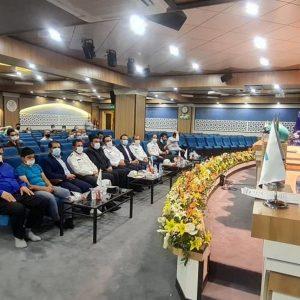 برگزاری مراسم اهدای کلاه ایمنی به راکبان موتورسیکلت در استان قم